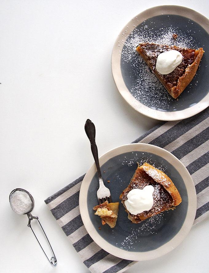 Apple Cardamom Crumble Galette Recipe | thekitchenpaper.com
