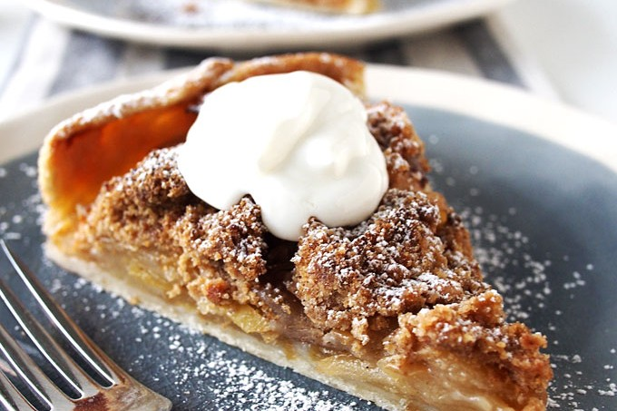 Apple Cardamom Crumble Galette