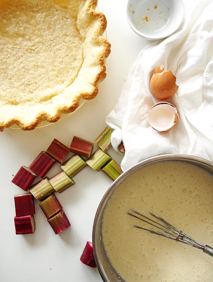 Rhubarb Grapefruit Custard Pie | thekitchenpaper.com