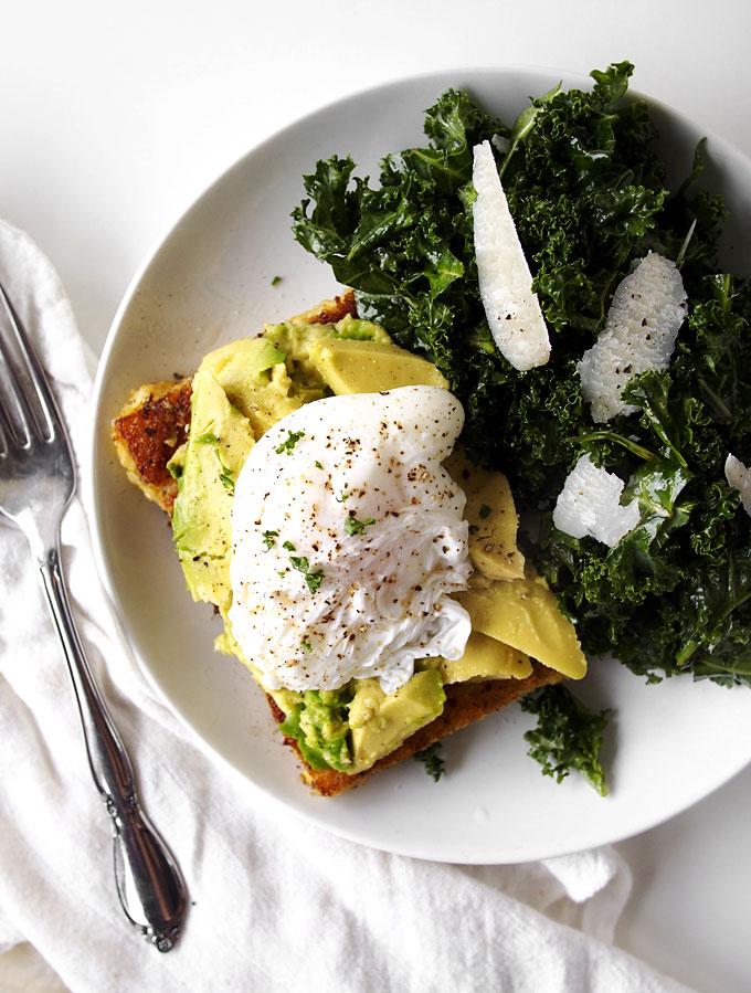 Fried Polenta, Avocado, & Poached Egg Breakfast (plus, KALE!) | thekitchenpaper.com