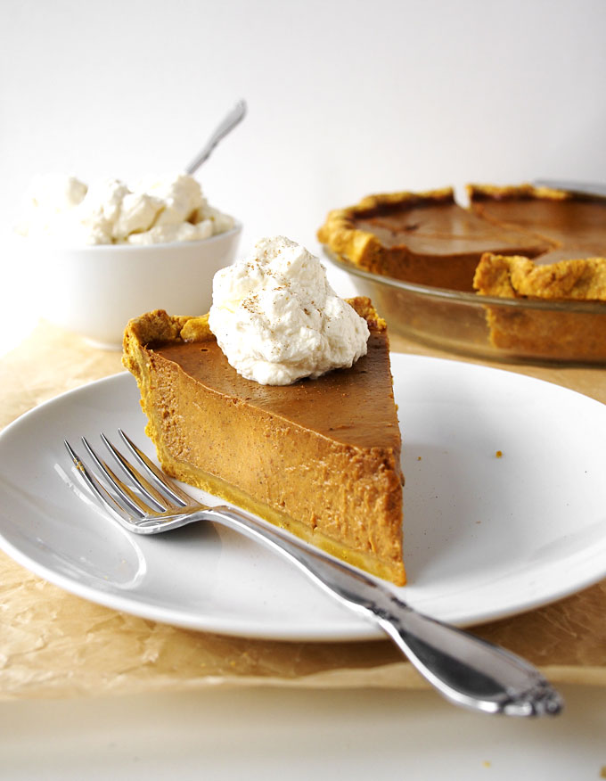 Coconut Sugar Classic Pumpkin Pie Recipe | thekitchenpaper.com