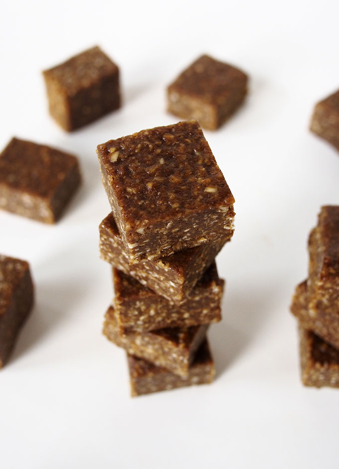 Salted Gingerbread Oat Fudge | The Kitchen Paper