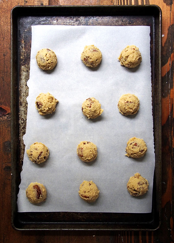 Butter Pecan Cookies | The Kitchen Paper