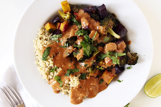 Roasted Veggies with Tikka Masala Sauce | the kitchen paper