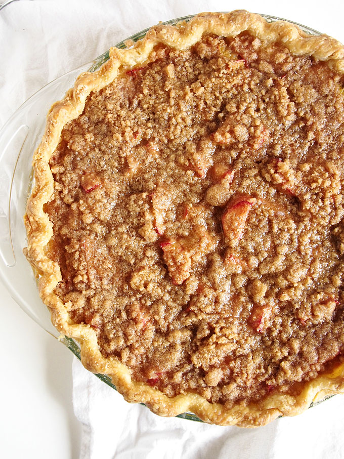 Rhubarb Sour Cream Crumble Pie | the kitchen paper