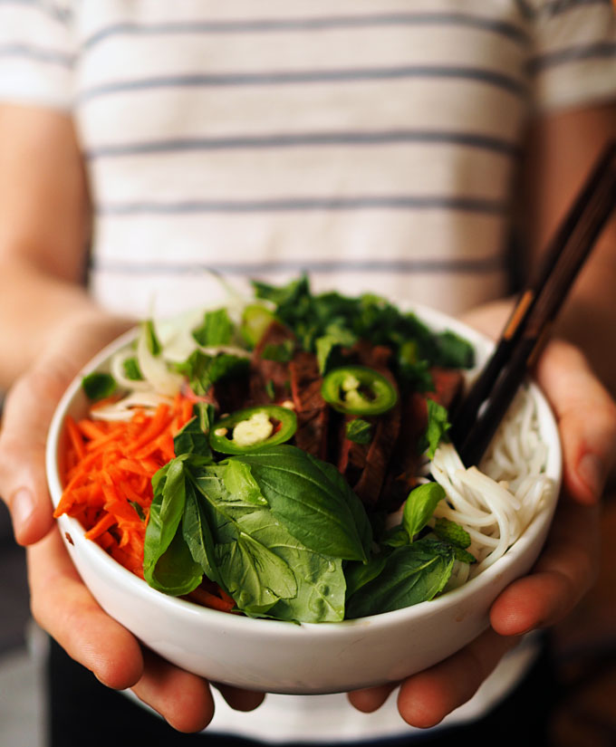 Easy Asian Fennel Beef Rice Noodle Bowls | thekitchenpaper.com
