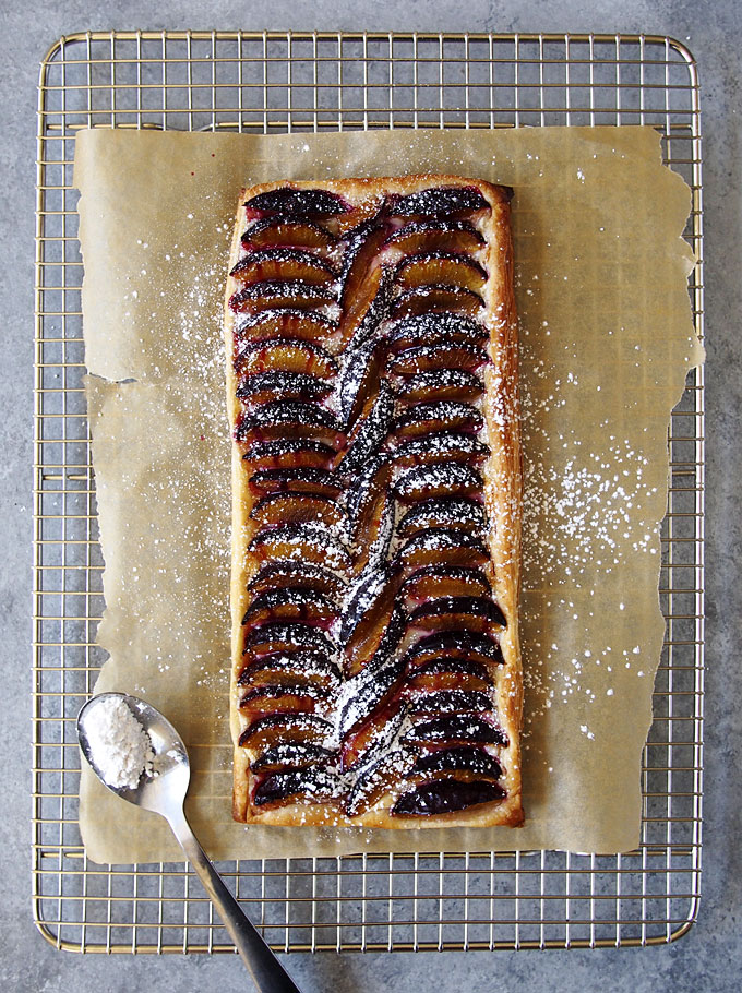 Cream Cheese Plum Tart | thekitchenpaper.com