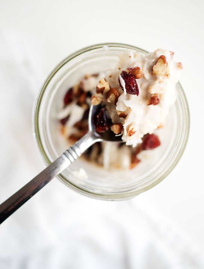 Coconut Cranberry Overnight Oats | thekitchenpaper.com