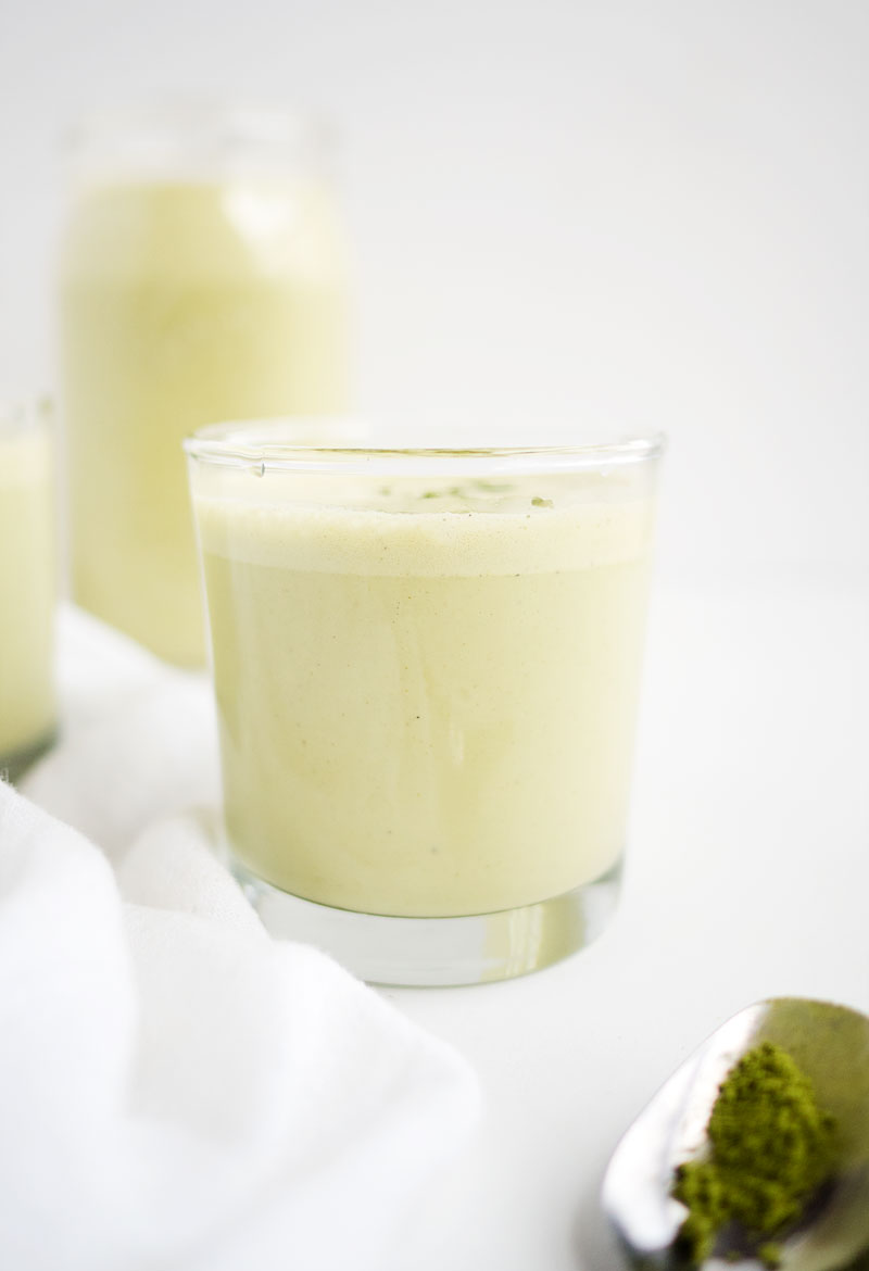 Vanilla Matcha Cashew Milk | The Kitchen Paper