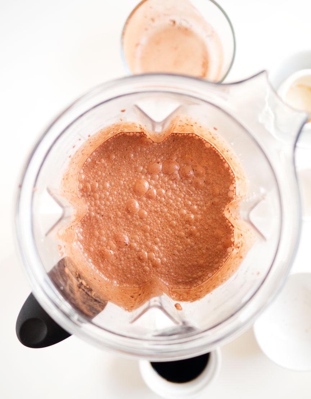 Vegan Chocolate Ice Cream | The Kitchen Paper