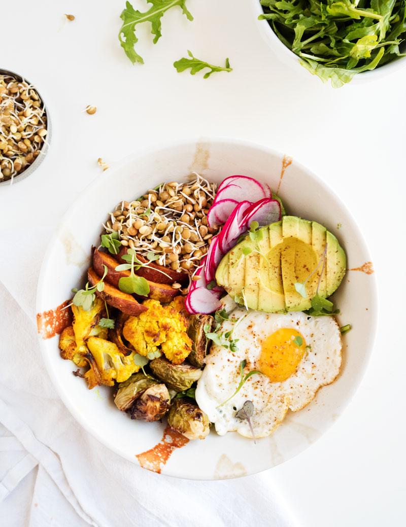 Sprouted Lentil Breakfast Bowl | thekitchenpaper.com