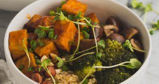 Vegan Red Pepper Tofu Bowl | The Kitchen Paper