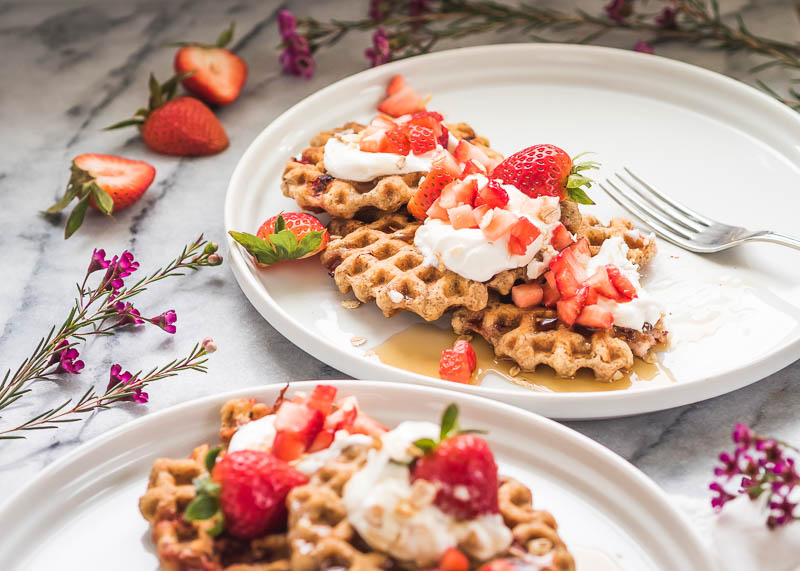 Vegan Strawberry Oat Waffles | The Kitchen Paper
