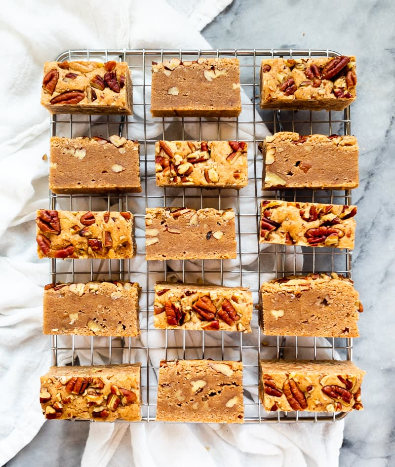 Cinnamon Pecan Bars | The Kitchen Paper